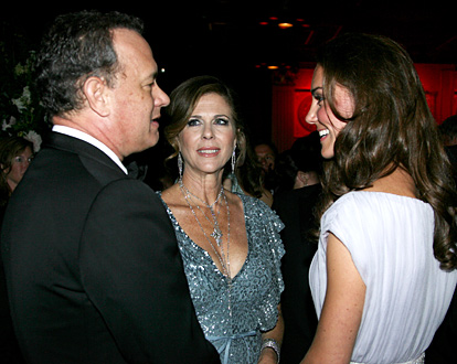 1310304575_tom-hanks-rita-wilson-kate-middleton-lg